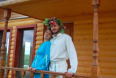 斯拉夫诺耶的导演:安德鲁沙德洛夫,和他的妻子塔提安娜。