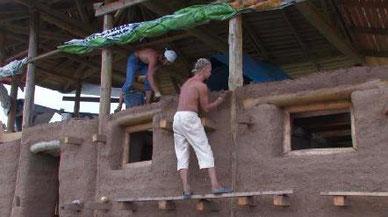 居民打造生態環保的土房